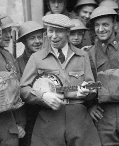 George Formby mit Banjo Ukulele